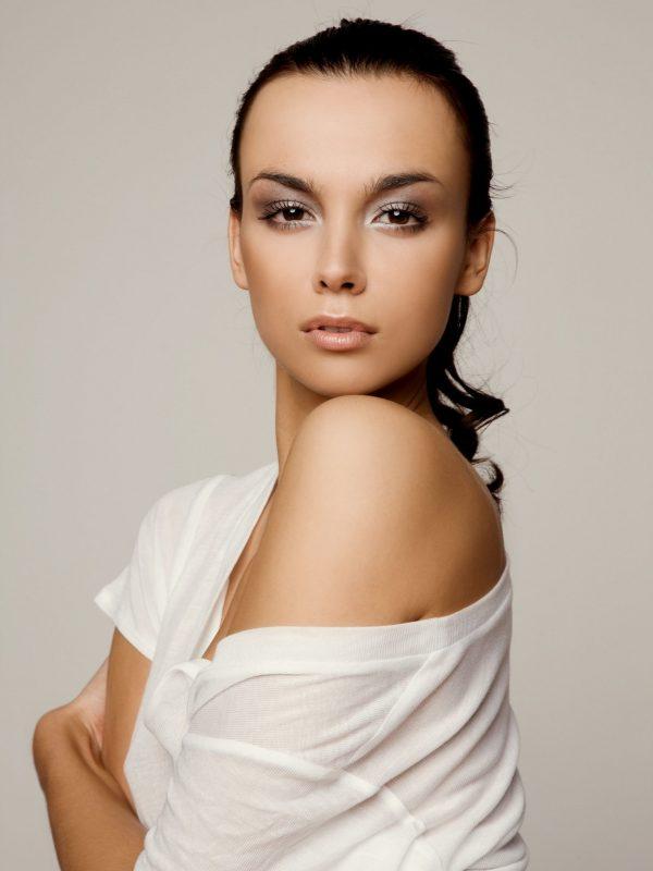 photo-of-woman-wearing-white-top-2744193.jpg